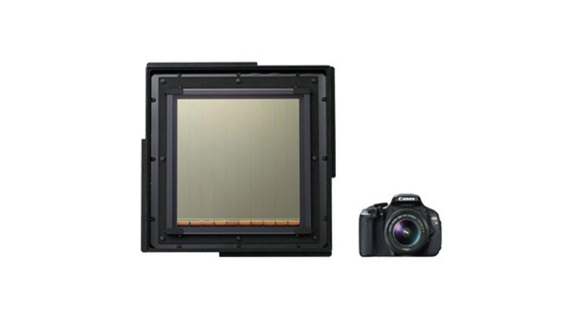 Canon-CMOS-40x35mm