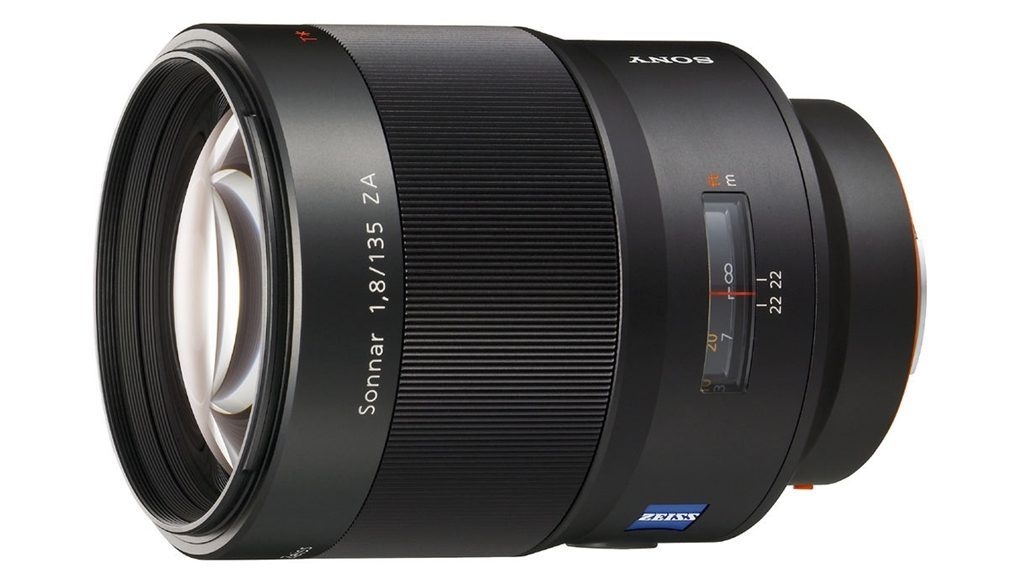 Cael-Zeiss-Sonnar-T*-135mm-f1.8