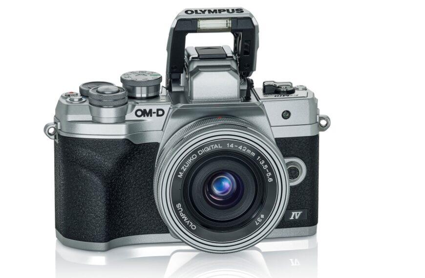 Olympus E-M10 IV: ekran doselfie imatryca 20 MP
