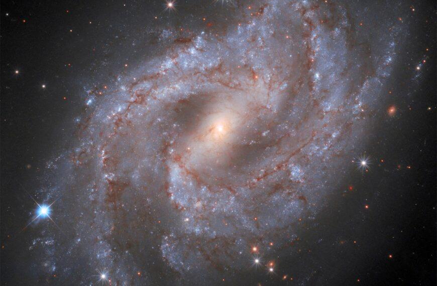 Teleskop Hubble's zarejestrował wybuch supernowej znajdującej się wodległości 70 milionów lat świetlnych