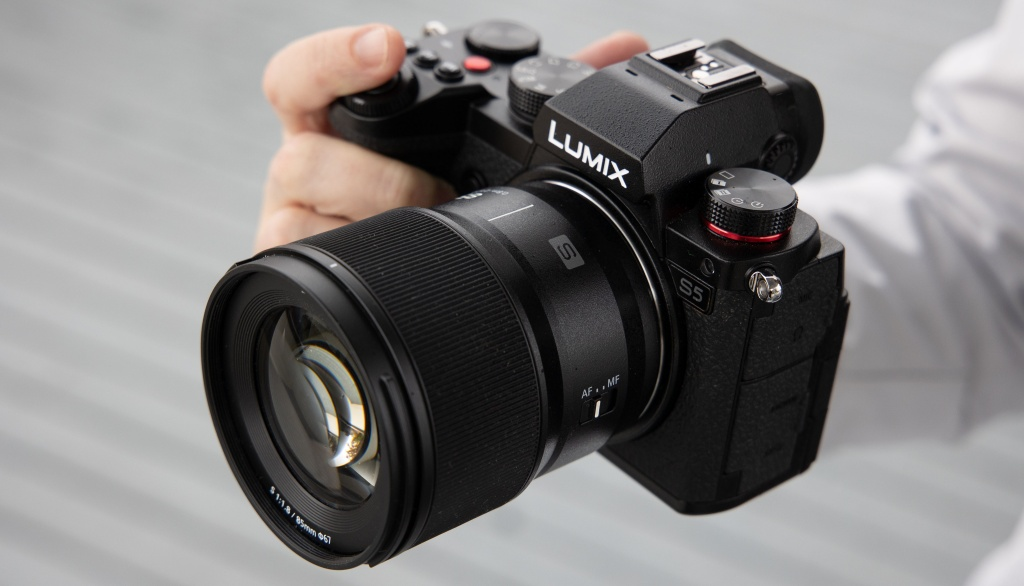 Panasonic Lumix S 85 mm F/1,8 wmocowaniu L