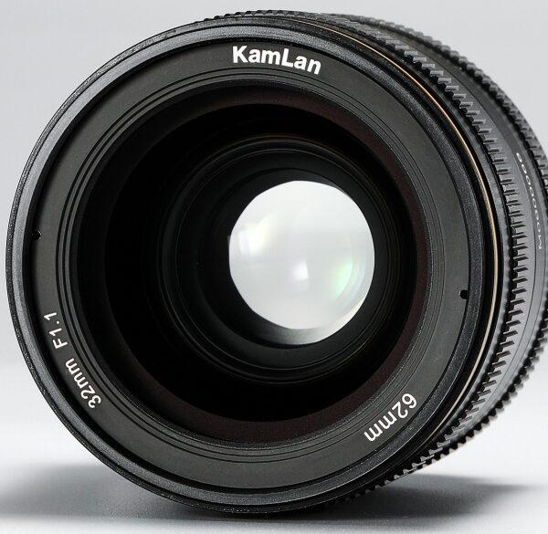 Manualny obiektyw KamLan 32 mm f/1,1 dla matryc formatu APS-C