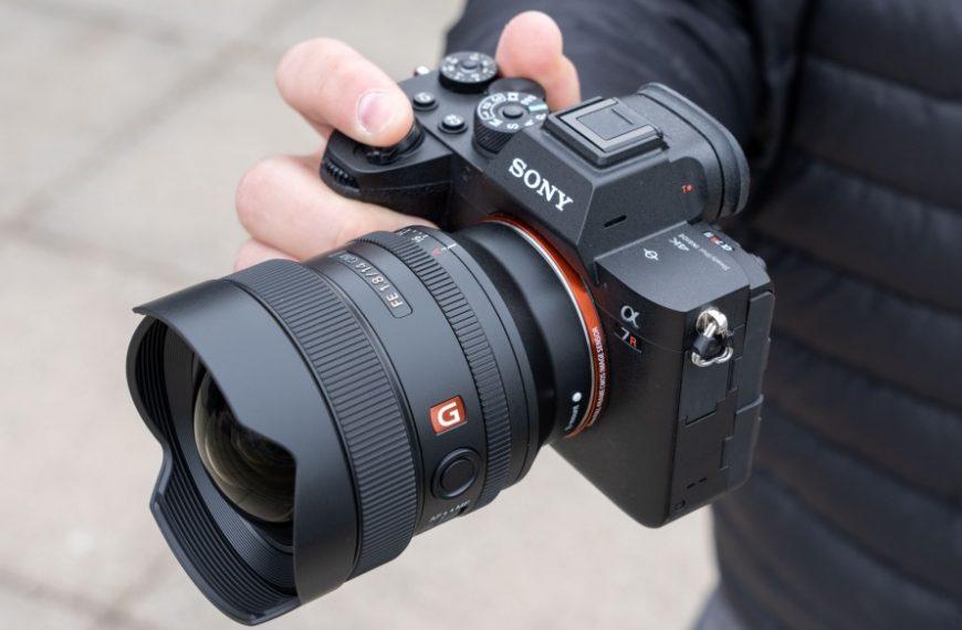 Sony wprowadza kompaktowy obiektyw FE 14 mm F/1,8 GM